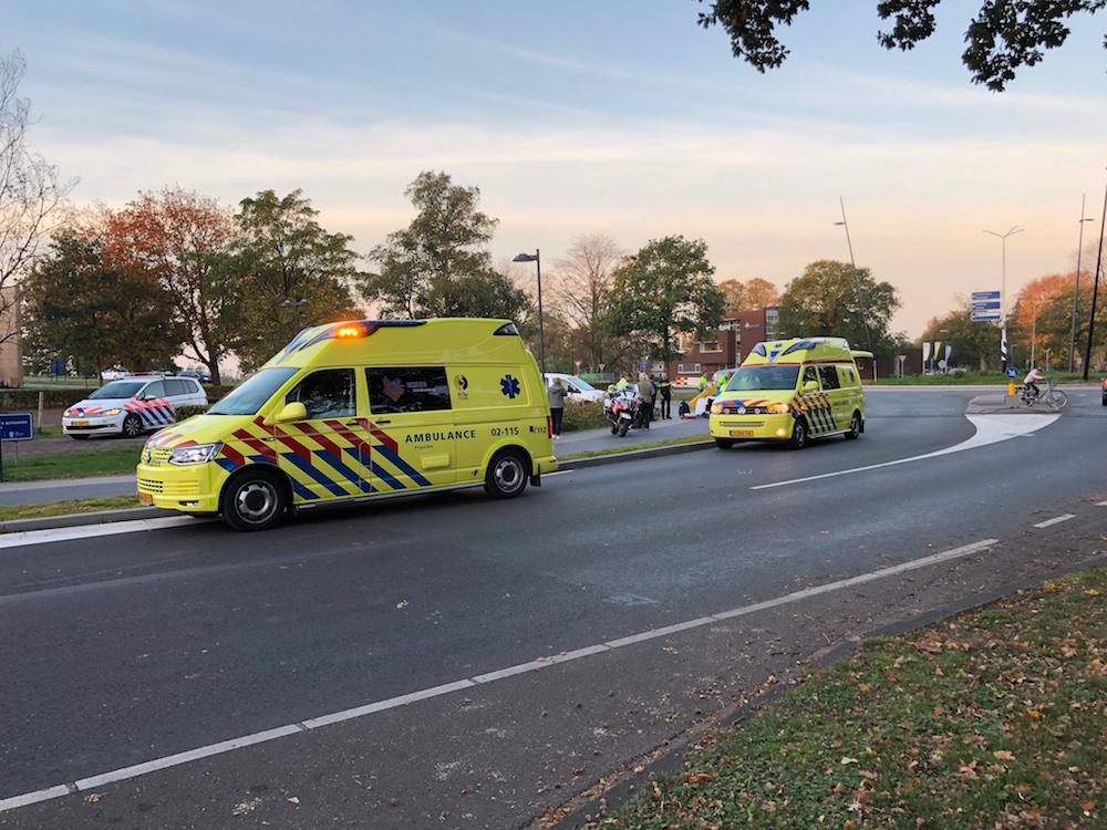 Fietsster botst tegen andere fiets en raakt gewond in Burgum