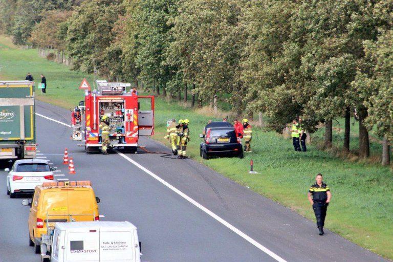 Flinke file na Auto brand op de Rijksweg A7 Bij Beetsterzwaag