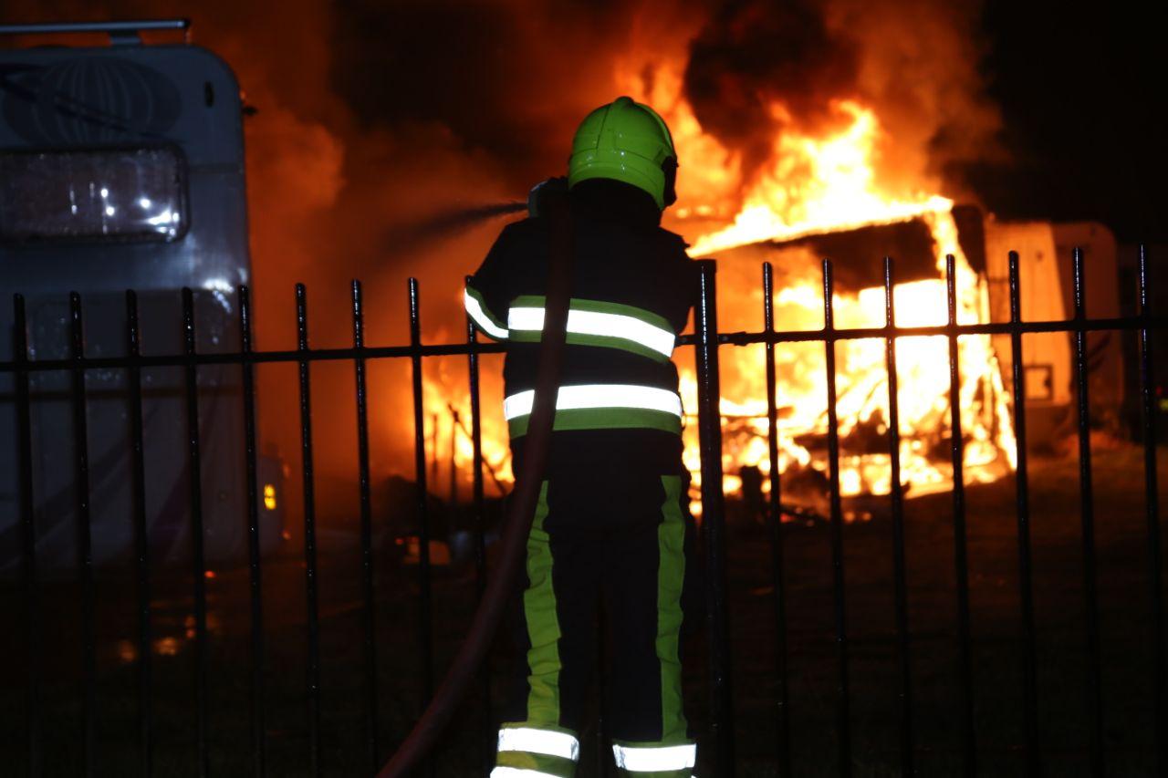 Meerdere campers verwoest door grote Brand in Gorredijk