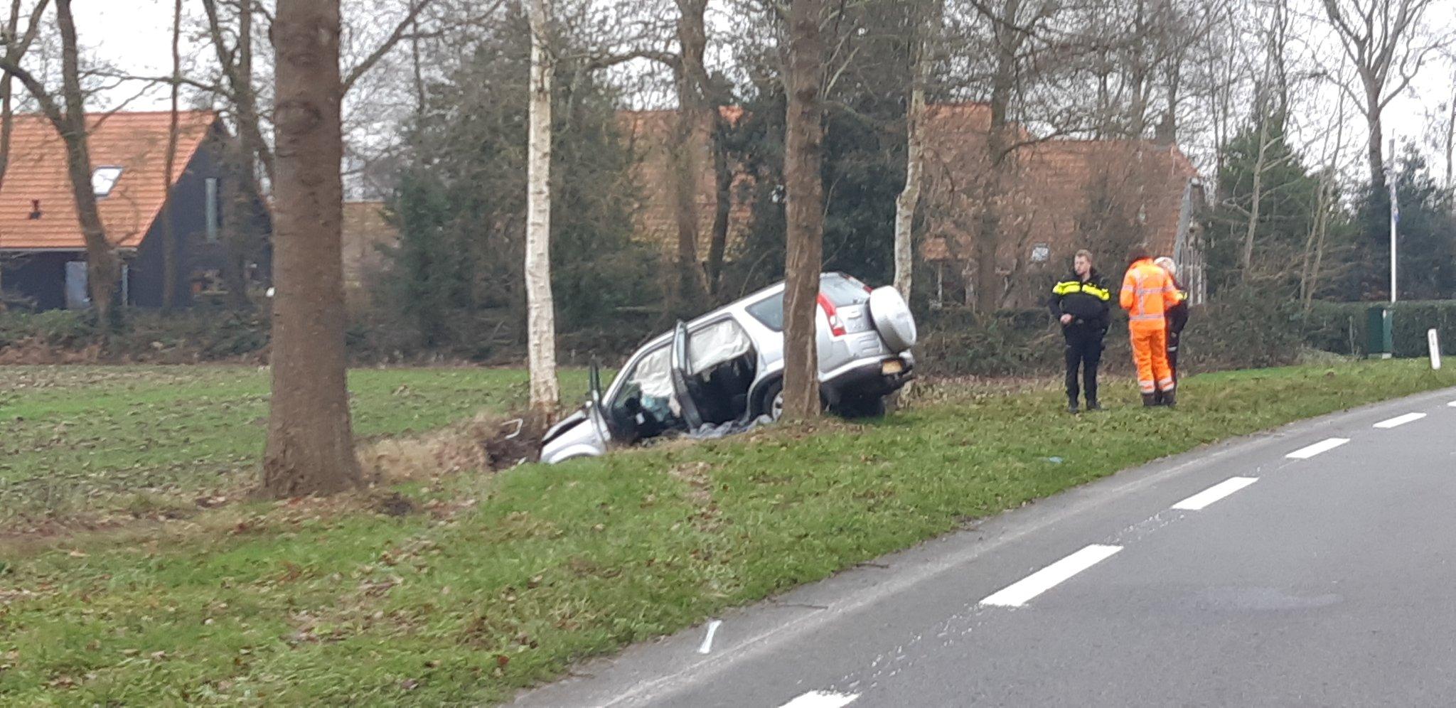 Video Twee doden en twee zwaargewonde bij ernstig verkeersongeval Bij Oosterwolde