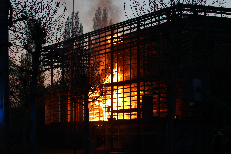 felle brand in een schoolgebouw in Groningen
