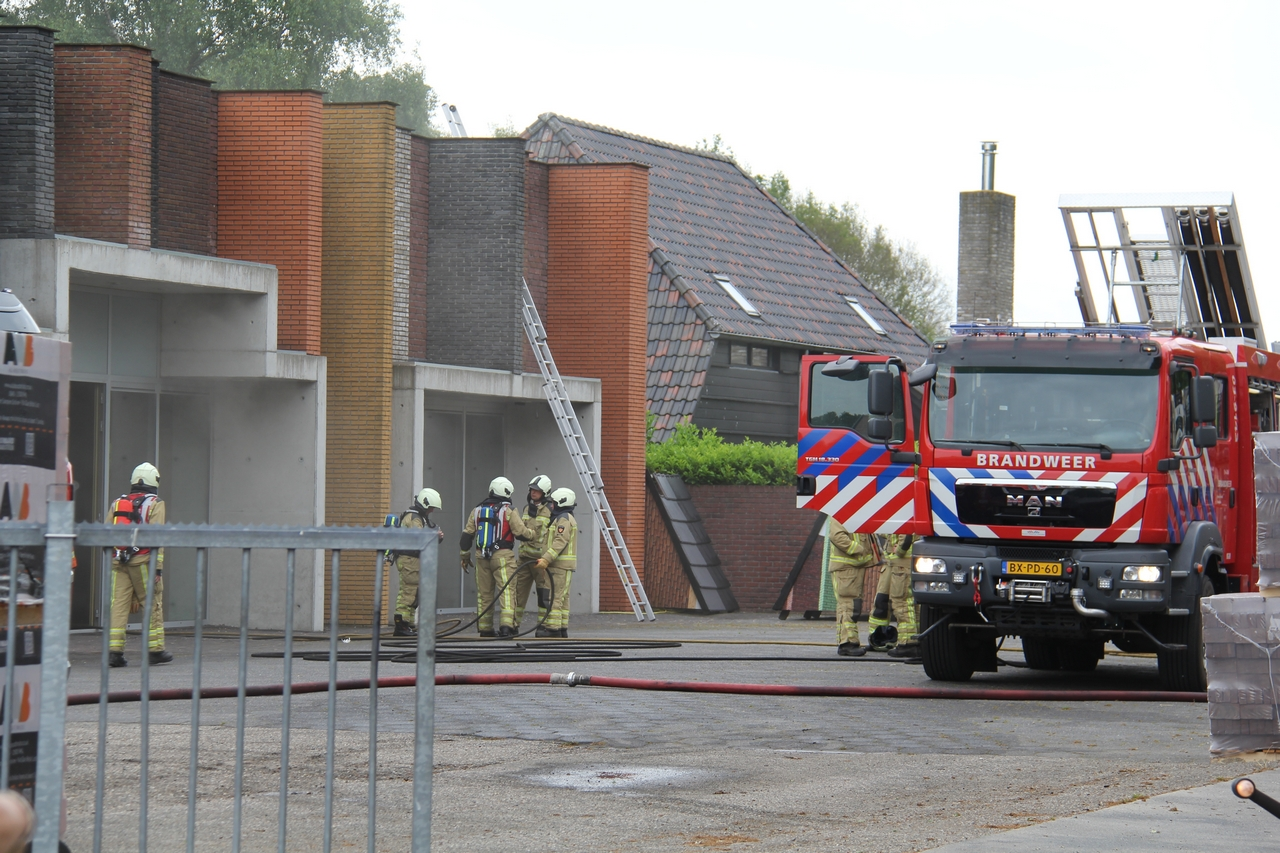 Flinke Brand bij bedrijfsbrand in Wapserveen