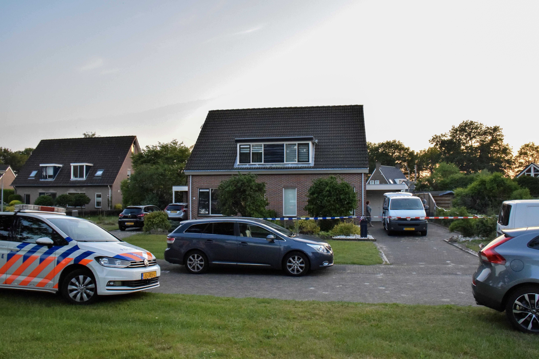 Politie vindt Overleden vrouw in een Woning in De Groeve