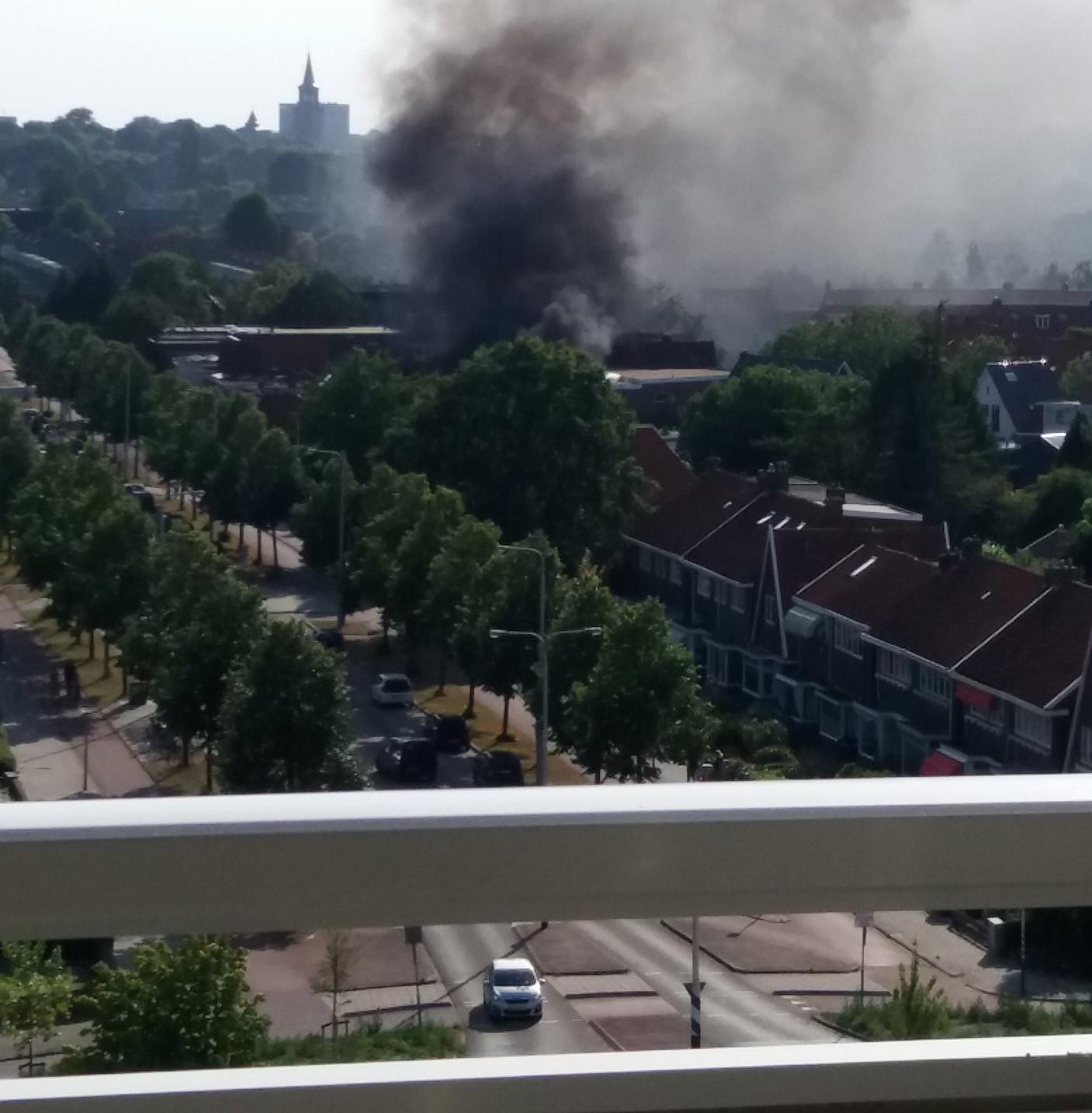 Grote uitslaande woningbrand in Leeuwarden