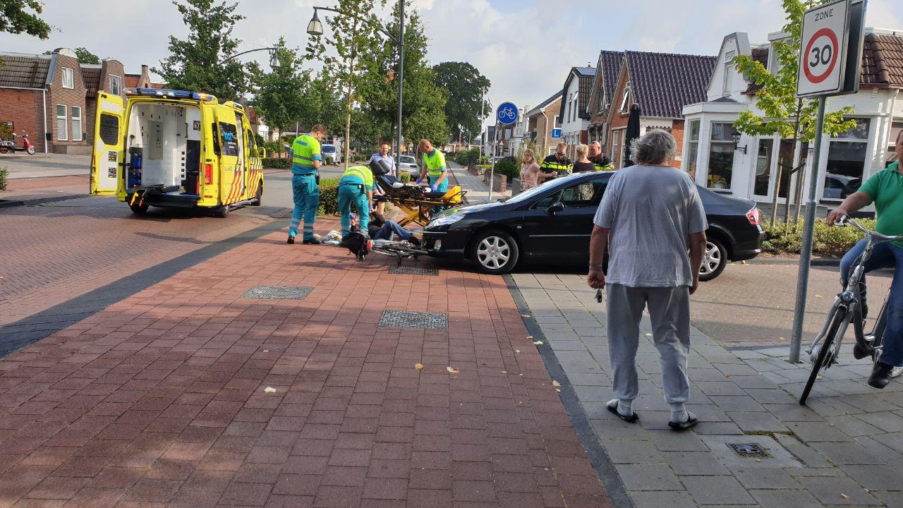 Fietser raakt gewond na botsing met Auto in Drachten