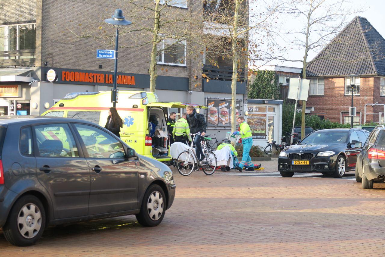 oudere vrouw  raakt gewond na val van fiets in Drachten