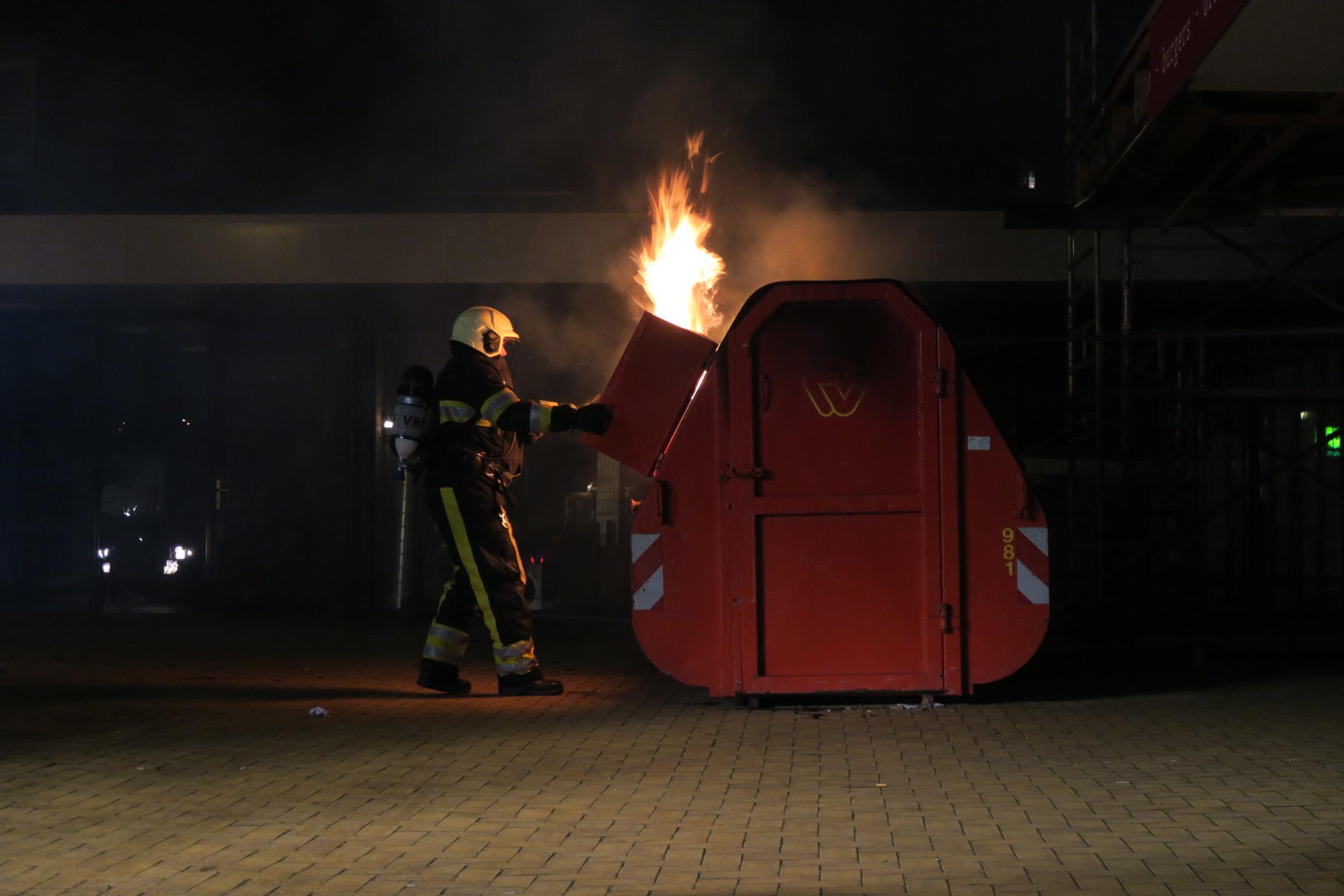 Visser container in brandgestoken in Drachten