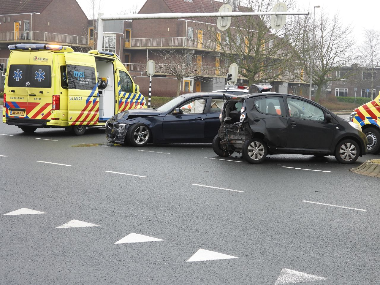 Twee gewonde na Aanrijding tussen twee auto's in Leeuwarden