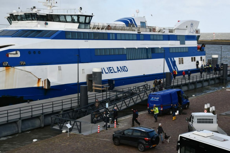 Twee motoren uitgevallen na dat ms Vlieland beschadigen opliep onder weg naar Vlieland
