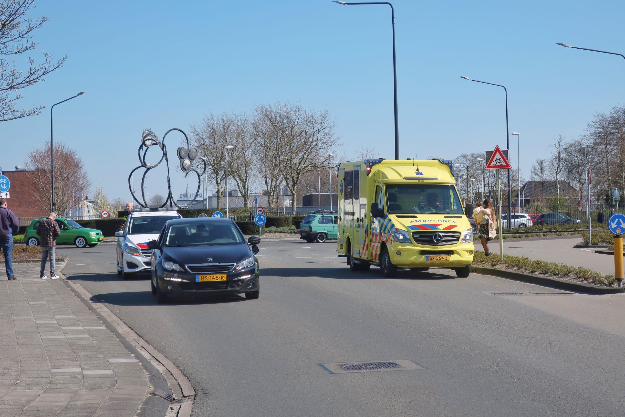 Racefietsers geschept door Automobilist op de Tussendiepen in Drachten