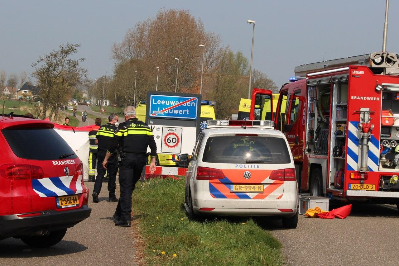 Fietser raakt te water langs Lekkumerweg en raakt Ernstige gewond bij Leeuwarden