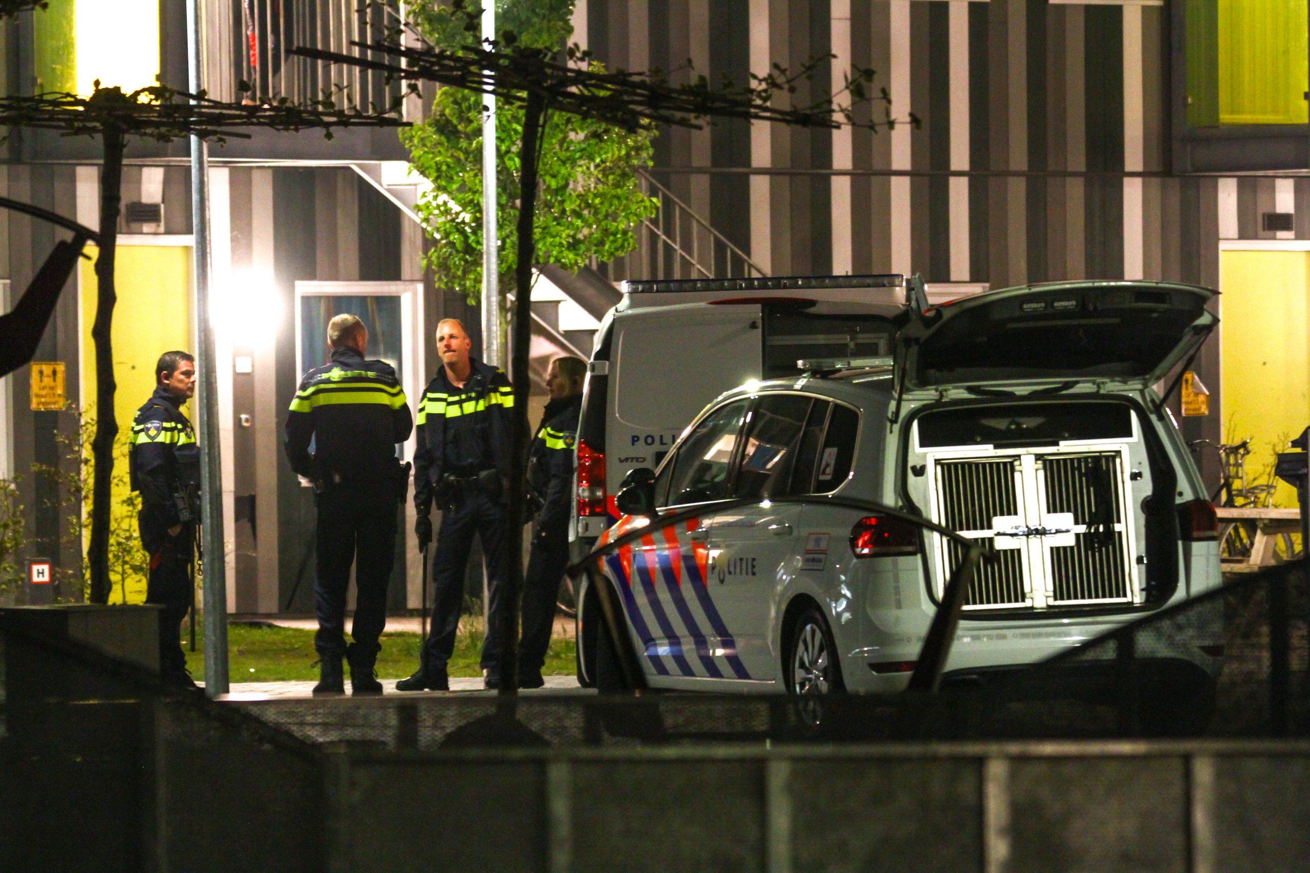 Grote politieinzet na geweldsincident op het AZC in Drachten