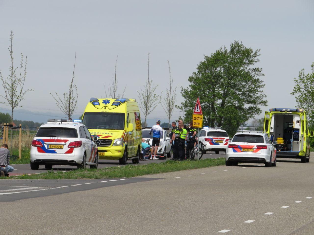 Traumahelikopter inzet bij ongeval tussen twee Racefietsers bij Reduzum