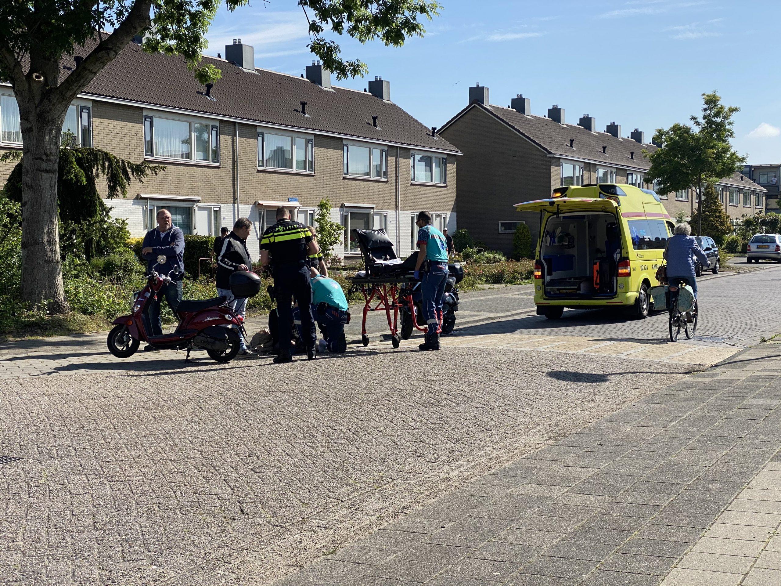 Scooterrijdster raakt ten val na Schrikken van Automobilist