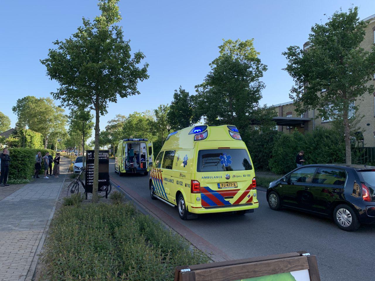 Hulpdiensten rukken massaal uit voor gewonde fietser