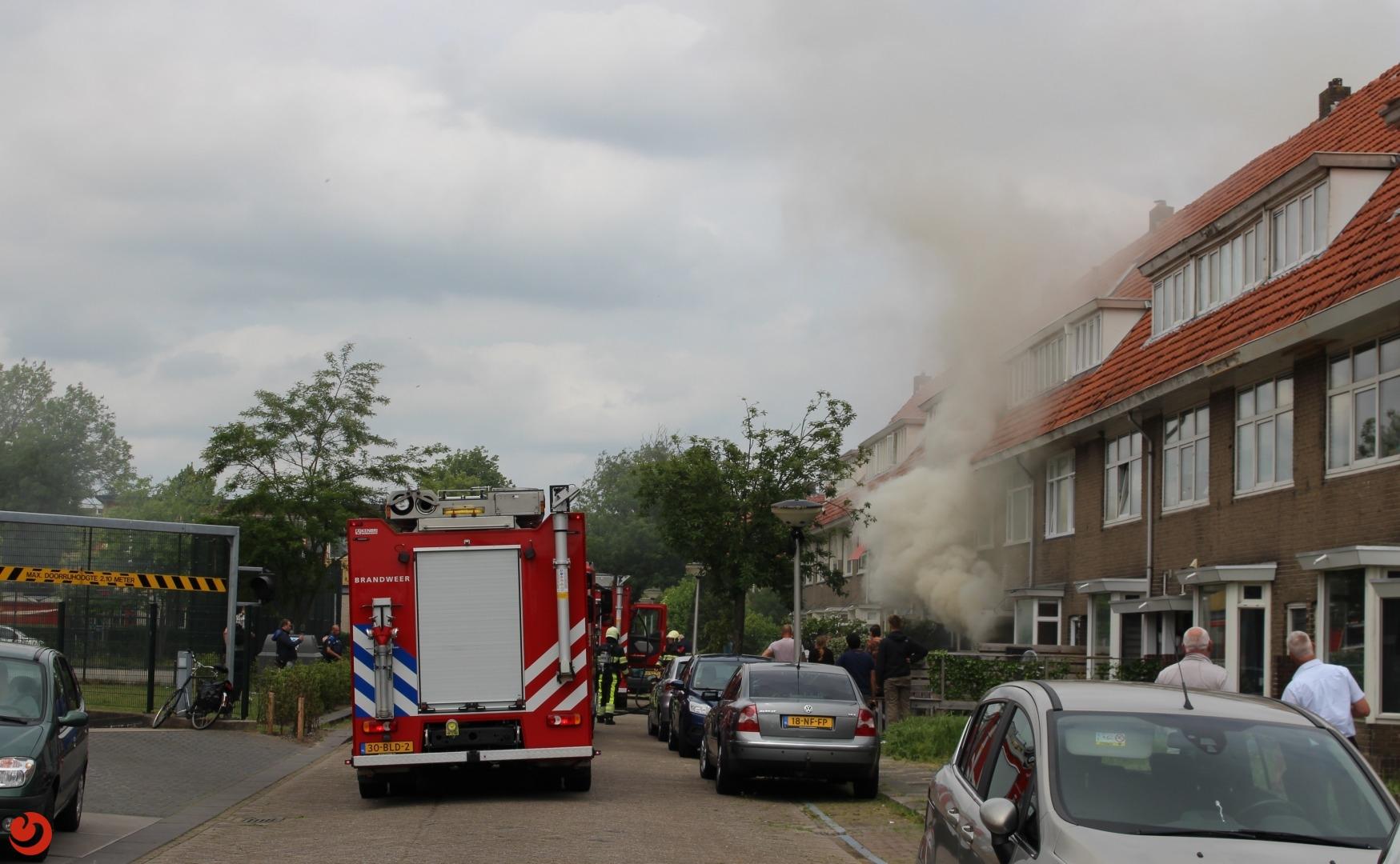 Jonge kittens gered uit brandende woning in Leeuwarden