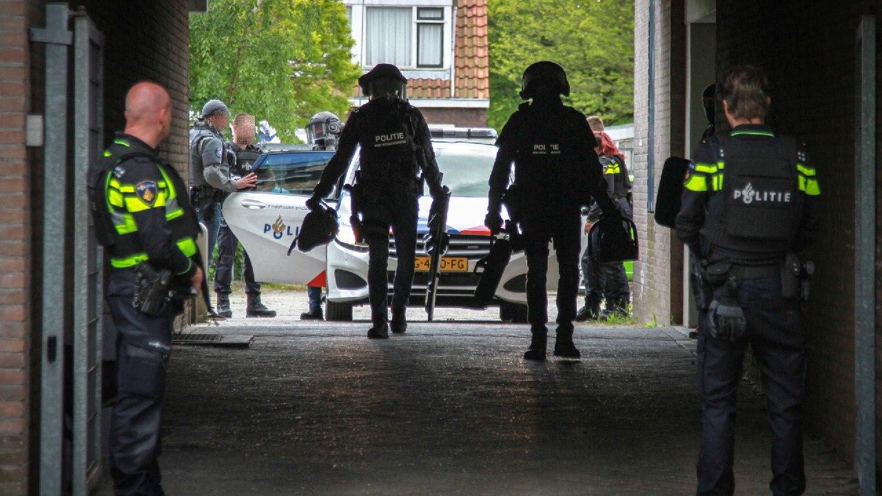 Speciaal arrestatieteam houdt van Schietpartij verdachte Amsterdammer aan in Leeuwarden
