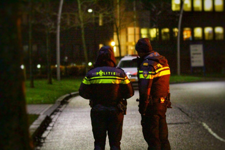 Politie rukt massaal uit na bedreiging met vuurwapen verdachte is aanhouden