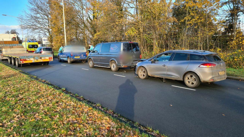 Kop-staat botsing tussen vier auto's op de Noorderhogeweg in Drachten