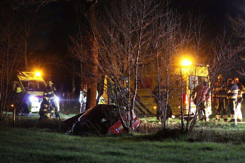 Bestuurster raakt gewond na eenzijdig ongeval langs de Spekloane bij Boelenslaan