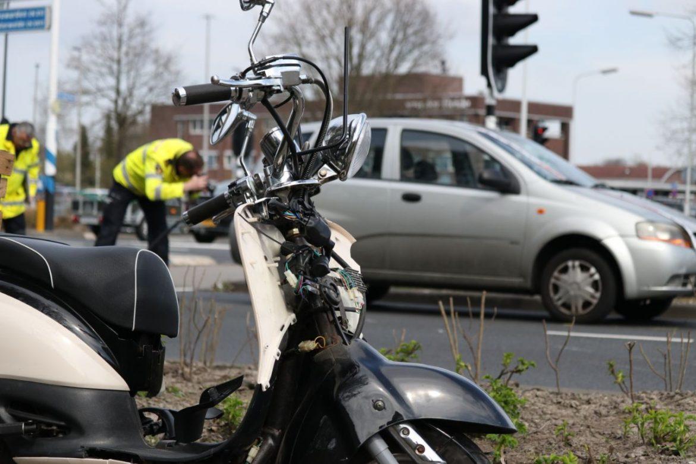 Scooterrijdster  ernstige gewond na aanrijding met Auto op de Noorderhogeweg in Drachten