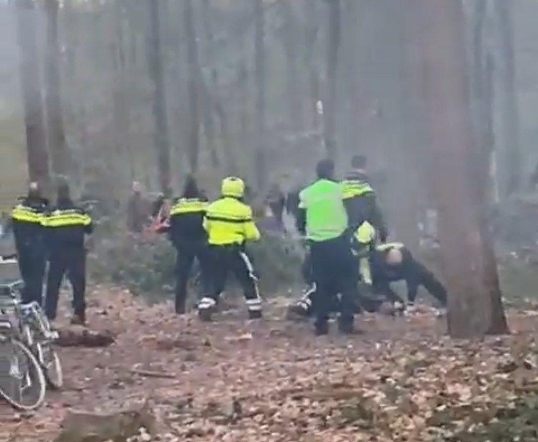 Meerdere personen aangehouden na rellen in bos Oudemirdum