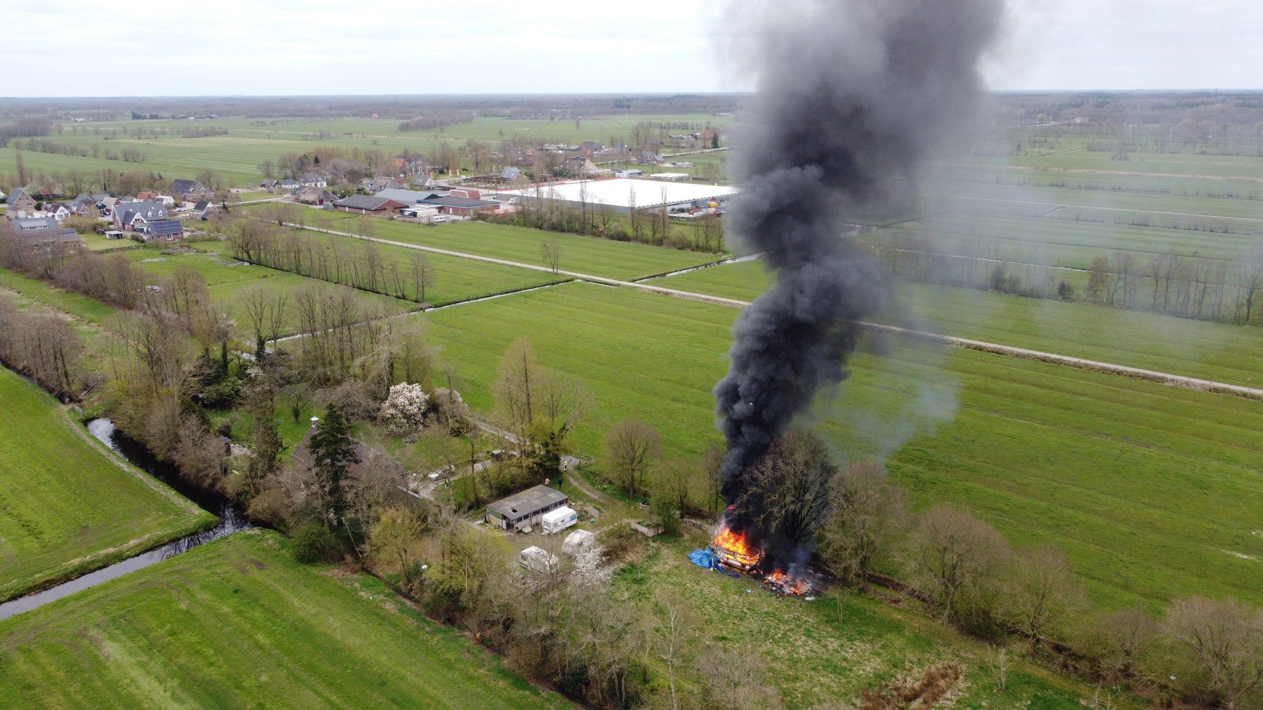 Flinke rookontwikkeling bij uitslaande Caravan brand één aanhouding