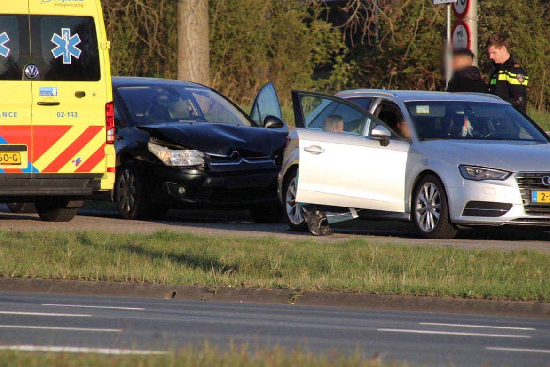 Twee auto's beschadigd bij kop-staart botsing in Leeuwarden