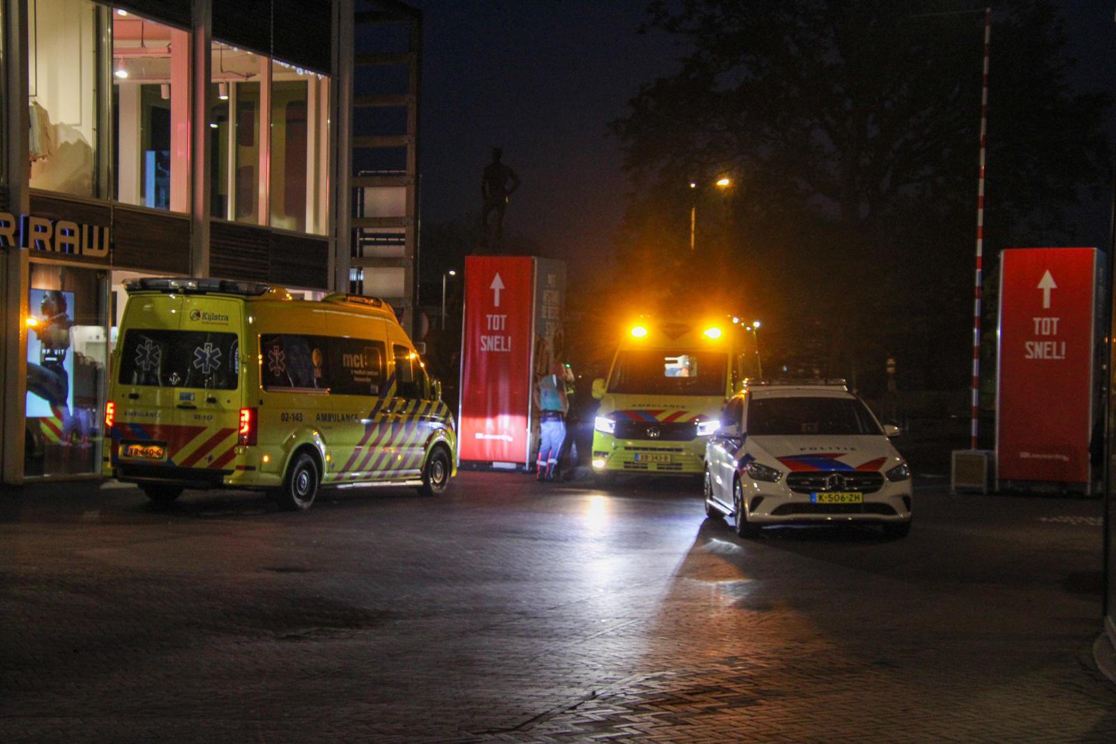 man raakt gewond na steekincident in Leeuwarden