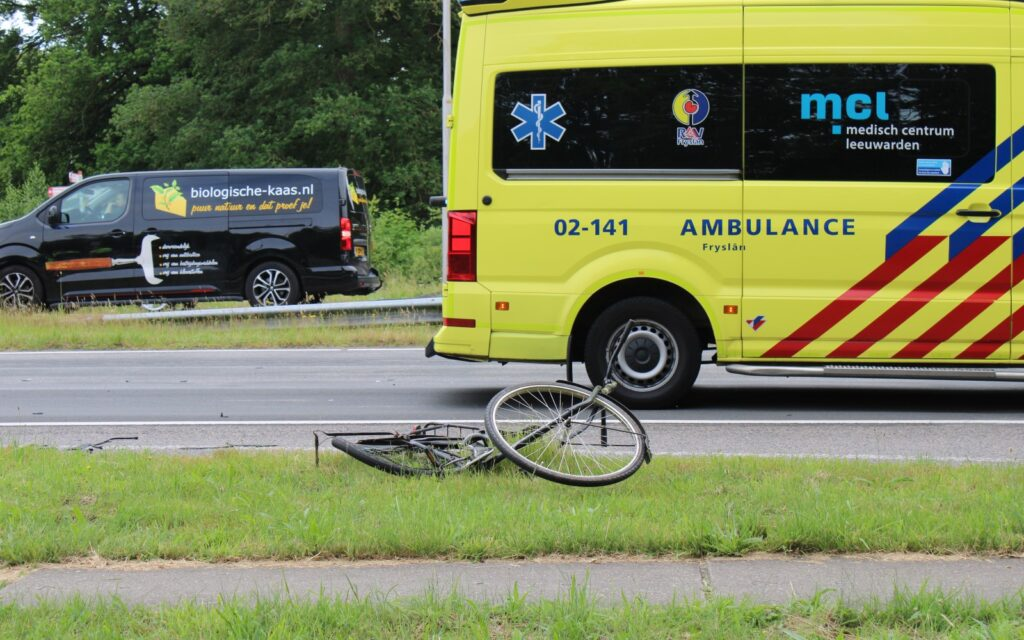 Motorrijder rijdt door na aanrijding bij ryptsjerk en meldt zich later alsnog